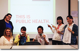 ハワイ大学・マノア校で、ハワイの公衆衛生や高齢者ケアなどを学ぶ